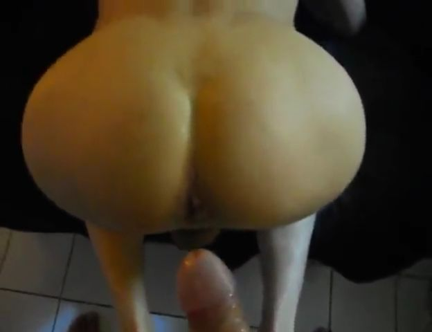 Amateur couple having sex in a hotel